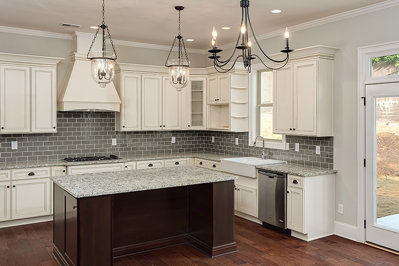 Brantley Antique White Glaze - Ready To Assemble Kitchen ...