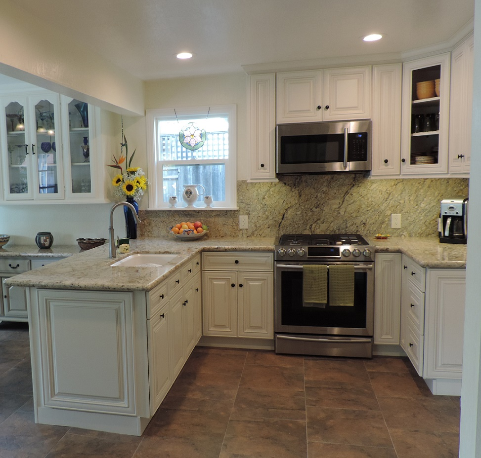 Dakota White Rta Kitchen Cabinets: Cambridge Antique White Glaze