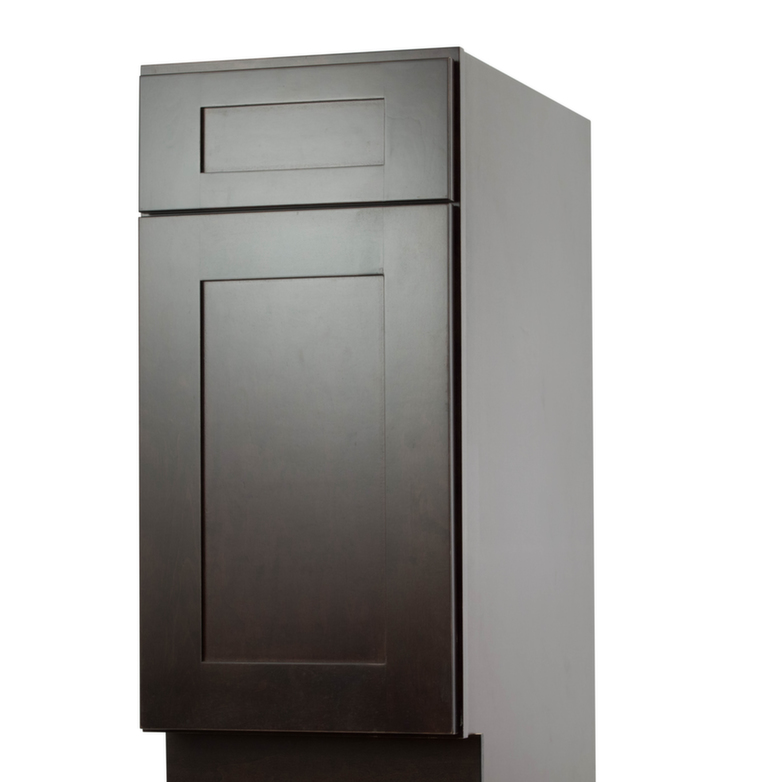 Brazilian shaker pre assembled kitchen cabinets the rta for Pre assembled kitchen cabinets