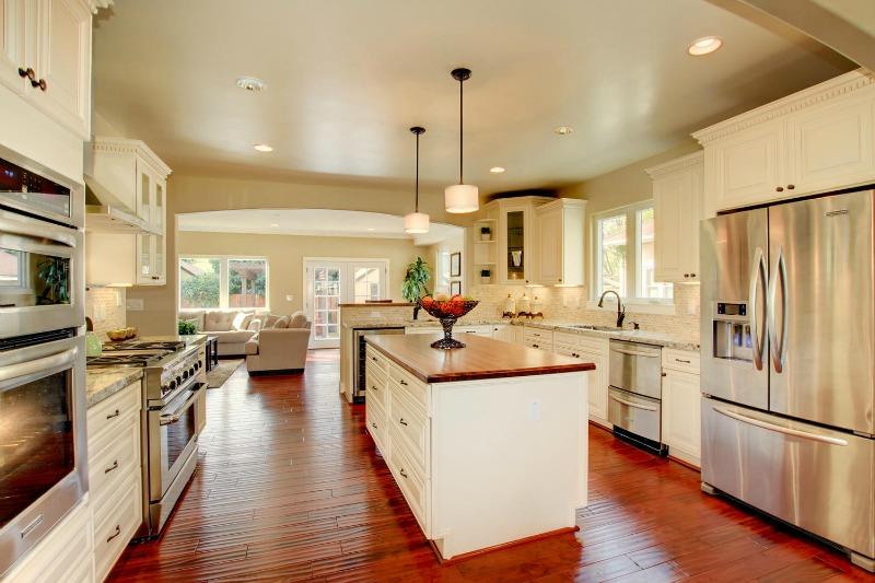 French Vanilla Glaze Ready To Assemble Kitchen Cabinets Kitchen Cabinets