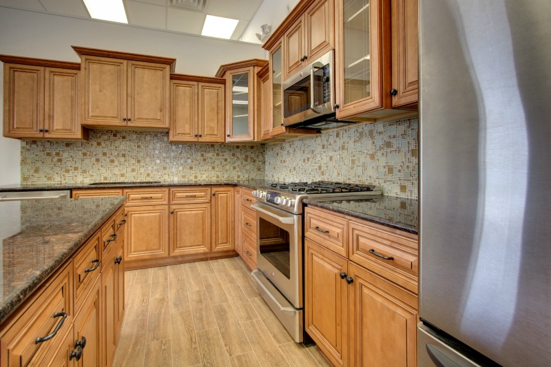 Toffee kitchen cabinets mf cabinets - B jorgsen cabinets ...