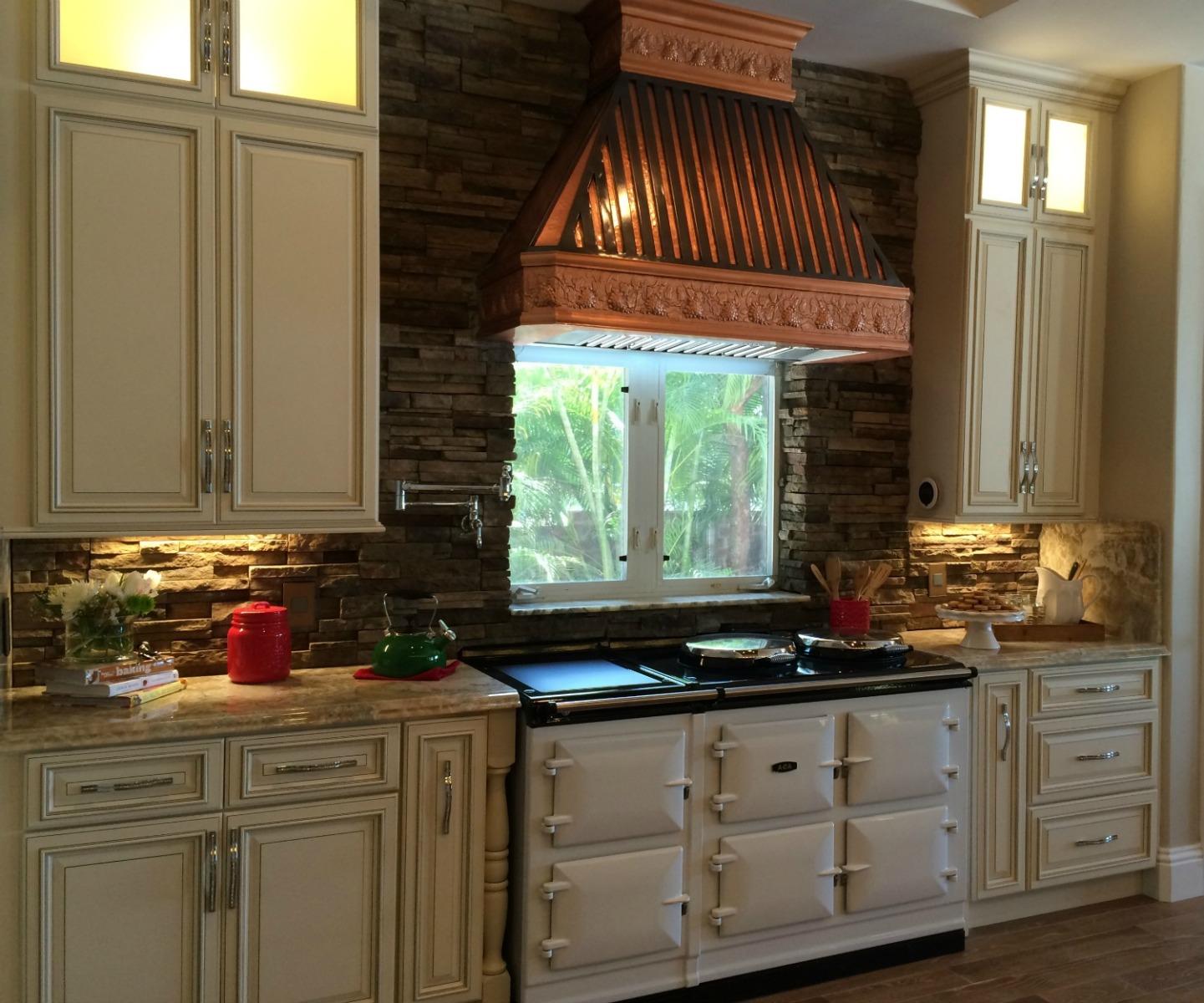 Signature vanilla glaze pre assembled kitchen cabinets for Already assembled kitchen cabinets