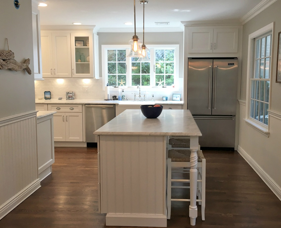 Providence white pre assembled kitchen cabinets the rta for Already made kitchen cabinets