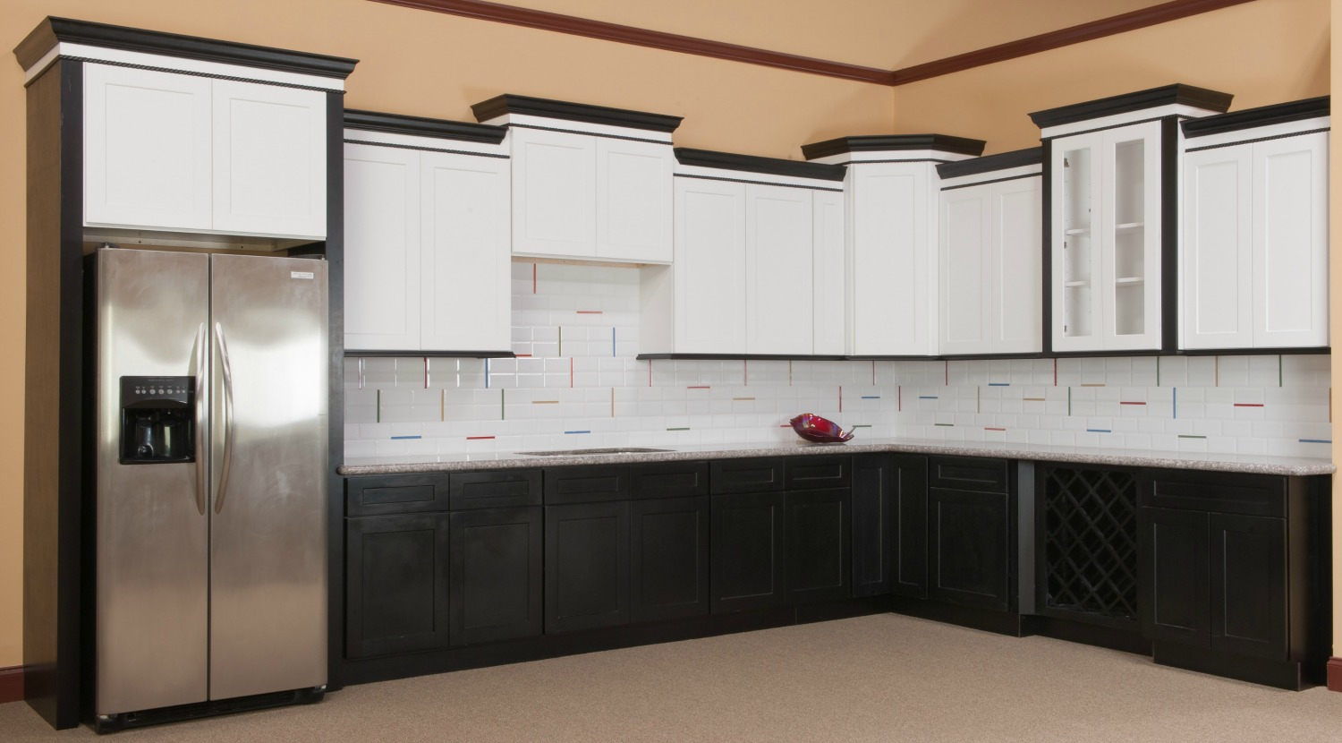 Brilliant white shaker ready to assemble kitchen for Assembling kitchen cabinets